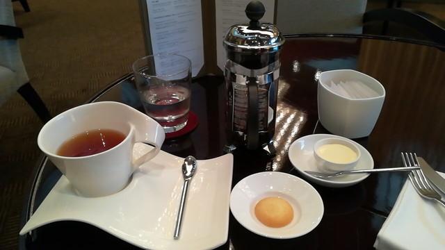 フレンチプレス式の紅茶