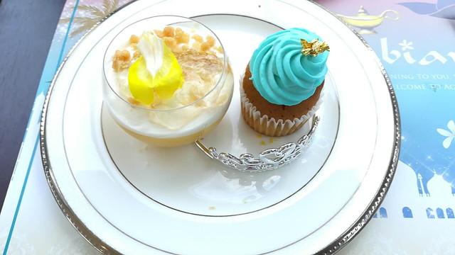マンゴーのベリーヌとジャスミン風味のカップケーキ