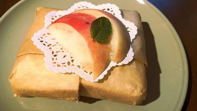 カフェ ラ・ペスカ 桃のサンドイッチ