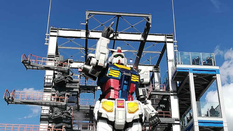 ガンダムファクトリー横浜 RX-78F00 空を指さす横浜ガンダム