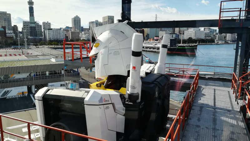 ガンダムファクトリー横浜 RX-78F00 横浜ガンダムと船