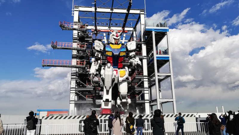 ガンダムファクトリー横浜 RX-78F00 横浜ガンダムが膝をつく