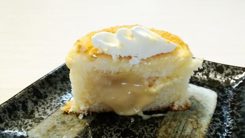 ローソン 3種のバター華ふわケーキ 断面