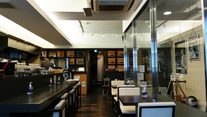 coffee&tea BBB 店内