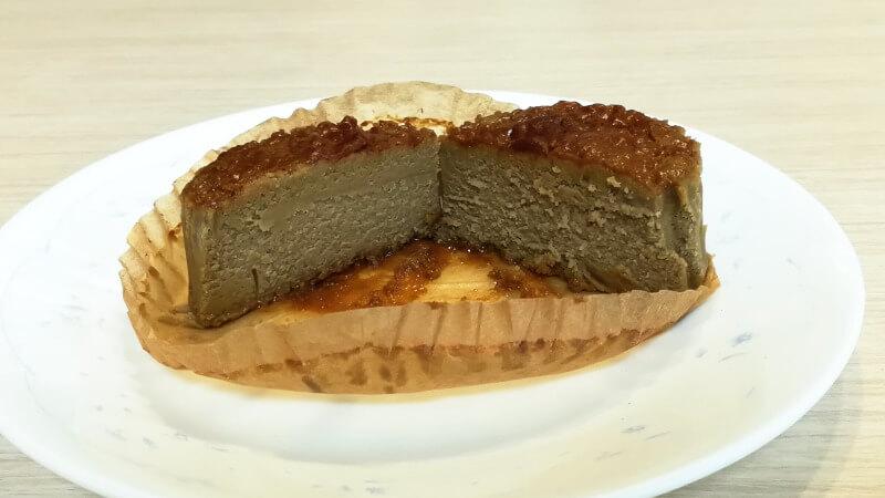 バスチー -バスク風ほうじ茶チーズケーキ- 断面